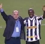 Seedorf officieel voorgesteld in stadion Botafogo [VIDEO]
