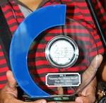 Radio Bangsa Jawa A'dam reikt muziek Award uit