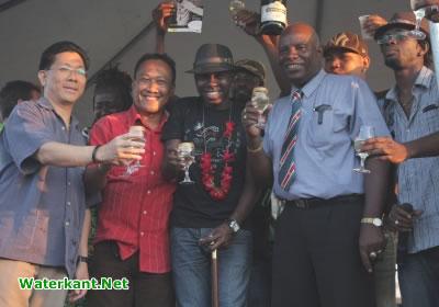Damaru groots onthaald in Suriname