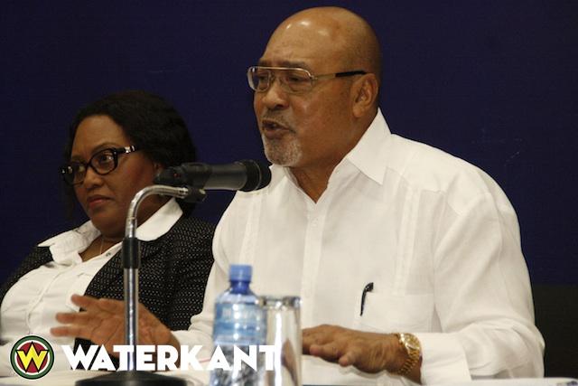 Bouterse-nov2015