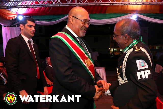 srefidensi2015-bouterse-decoratie