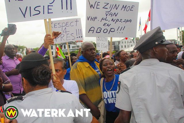 bouterse-protest-2