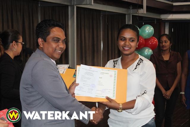 Hoog rendement bij opleiding ambtenaren Suriname