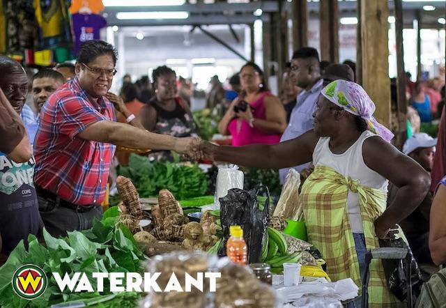 VHP delegatie bezoekt zondag markten Suriname