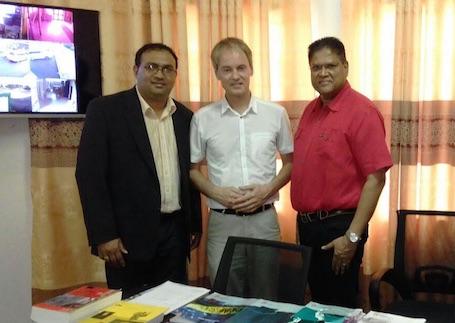 Tweede Kamerlid Van Bommel bezoekt VHP Suriname