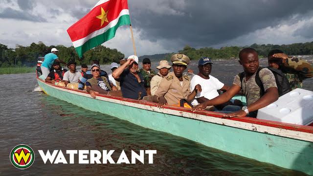 President terug van missie door Oost Suriname
