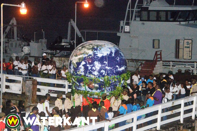 Viering van Earth Hour in Suriname