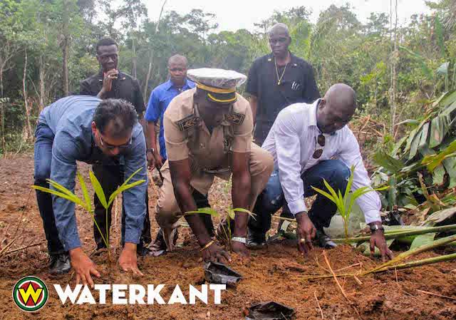 Ministers lanceren Podosiri project in Suriname