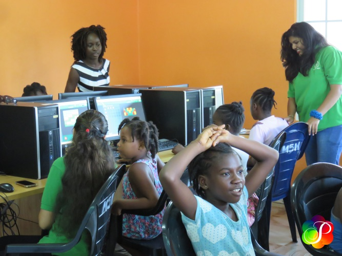 Aandacht voor 'Girls in ICT Day' in Suriname