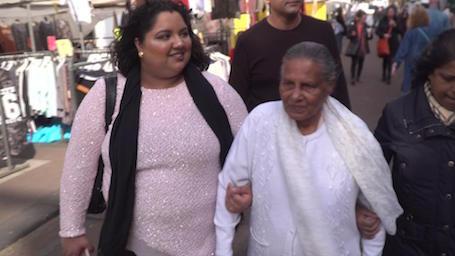 Hindoestaanse grootouders en kleinkinderen dichter tot elkaar