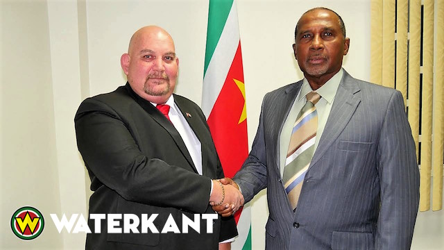 Cubaanse ambassadeur in Suriname bij minister