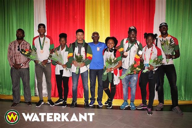 Suriname Deelnemers Baku Games in de bloemetjes gezet