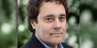 Schrijver Antoine de Kom op festival Divercity