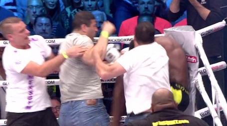 Kickbokser Murthel Groenhart aangevallen in de ring