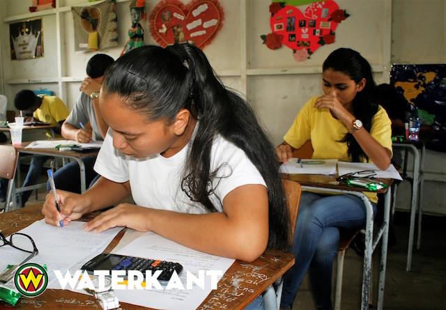 Eindexamens op middelbare scholen in Suriname