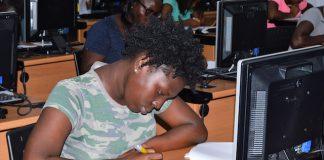 Vroege schoolverlaters krijgen training bij Telesur