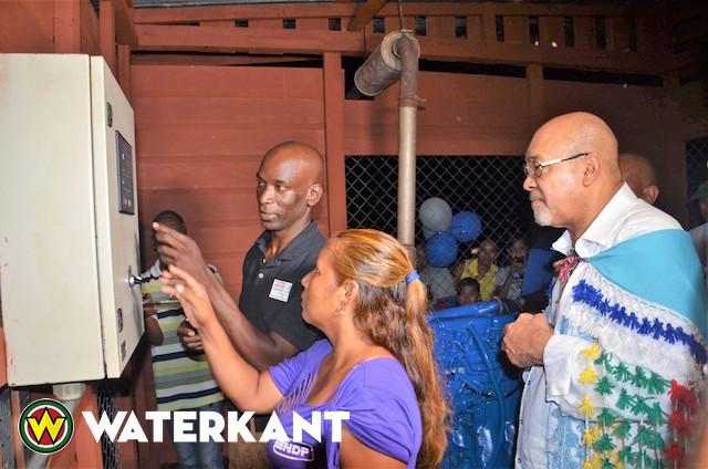 Inheems dorp Lokono Shikuabana krijgt elektriciteit
