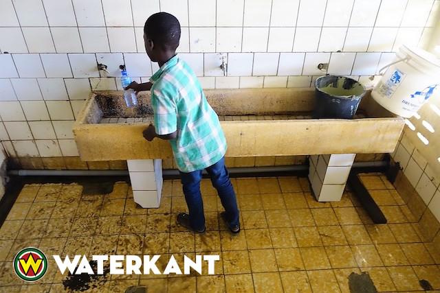 Amerikaanse militairen helpen school in Suriname