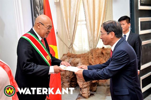 Nieuwe ambassadeurs Vietnam en Azerbaijan in Suriname