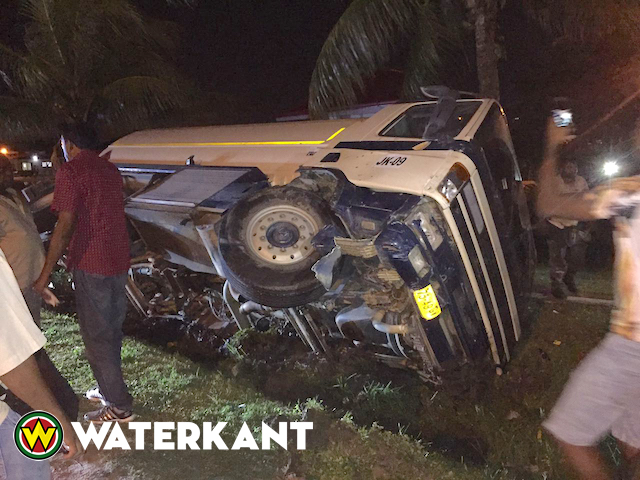 Remmen tankwagen vallen uit op Wijdenboschbrug