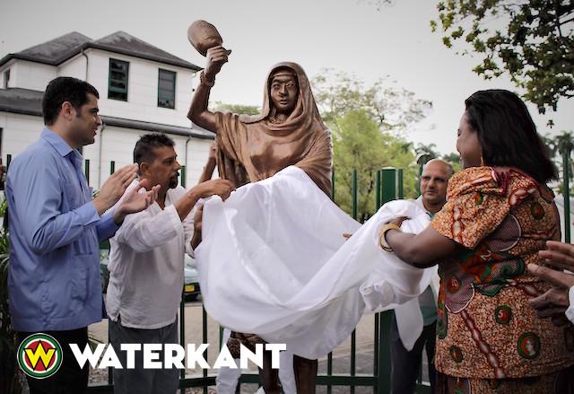 Onthulling standbeeld van Janey Tetary in Suriname
