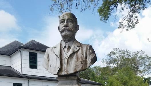Koloniaal borstbeeld Barnet Lyon verwijderd
