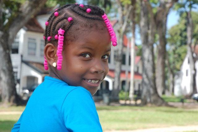 Tentoonstelling op Curaçao met Surinaamse Kapsels