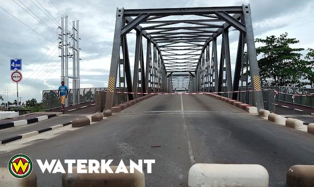 Saronbrug afgesloten na verkeersongeval