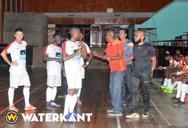 Weer nederlaag voor zaalvoetbalkampioen van Suriname