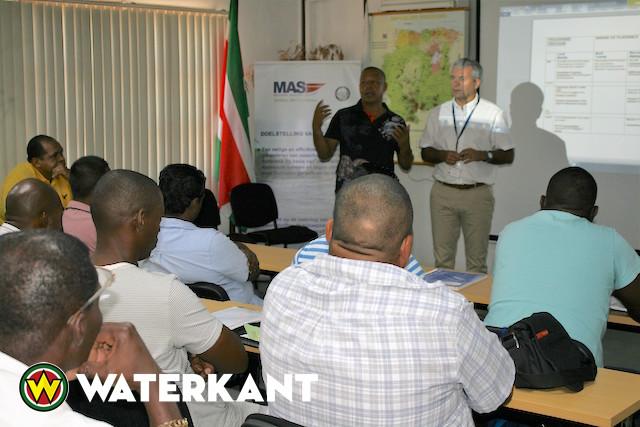 Training 'Controle en doorzoeken pleziervaartuigen' in Suriname