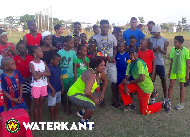 Mettendaf wil jonge sporters in Suriname helpen