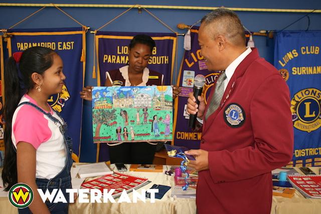 Winnaar Peace Poster Contest in Suriname