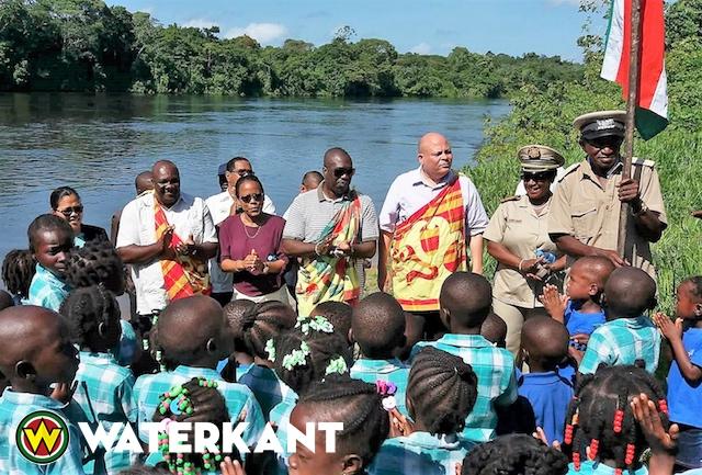 Ministers bezoeken Marrondorp Boslanti in Brokopondo