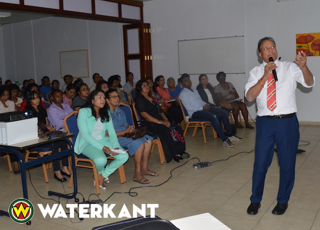 Lezing over darmproblemen en Ayurveda in Suriname