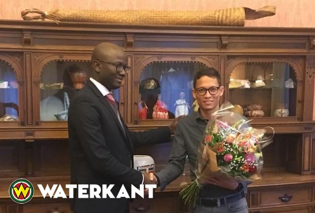 Ambassade van Suriname in NL helpt DJ aan contract