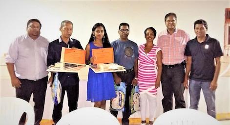 Huldiging jeugdige damkampioenen in Suriname