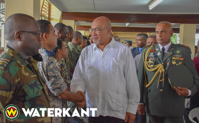 Beëdiging 118 nieuwbakken officieren in leger Suriname