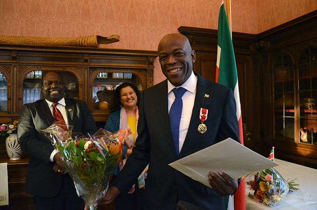 Onderscheiding voor voorzitter stichting Collectief Overzee Suriname