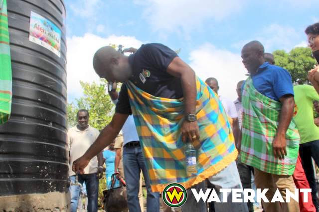 Lancering regenwaterproject in binnenland Suriname
