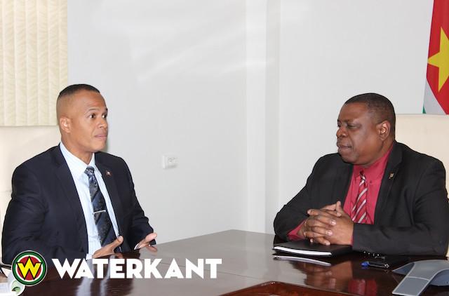 Ambassadeur vraagt aandacht voor status Haïtianen in Suriname