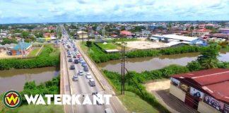 Verbetering wegsituatie nabij brug Saramaccakanaal in Suriname