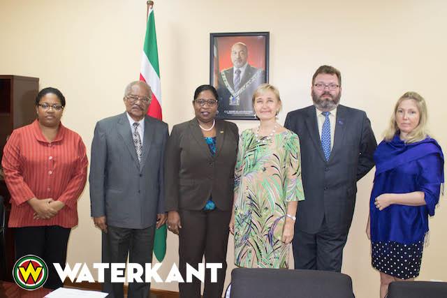 Delegatie uit Estland op bezoek in Suriname