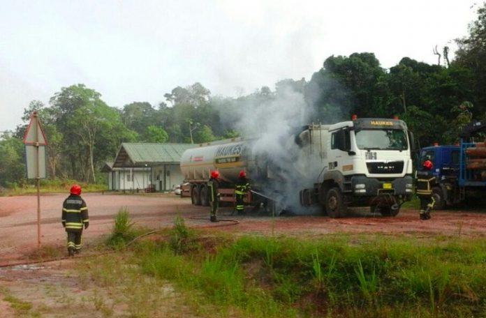 Milieuramp Suriname voorkomen door brandweer
