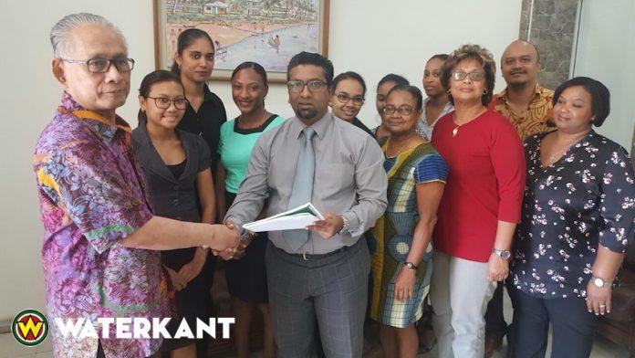Vereenvoudiging van wet Minimum Uurloon in Suriname