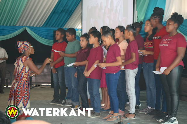 Viering 70ste jaardag St. Stephanusschool in Suriname