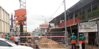 Sluiting Zwartenhovenbrugstraat zorg voor enorme files in Suriname