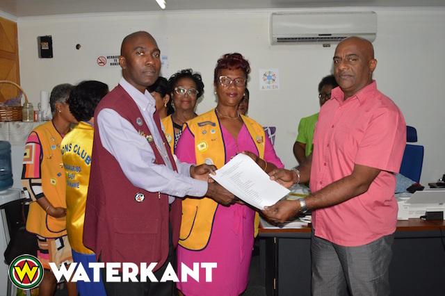 Lions Club schenking aan Bureau voor Thuis- en Daklozen Suriname