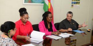 Nieuwe onderwijs projecten in Suriname