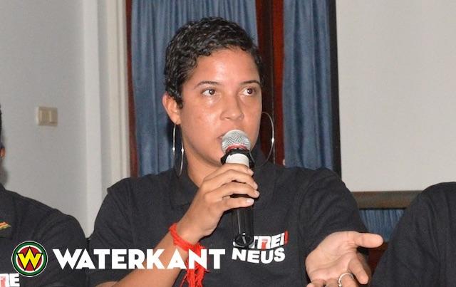 Maisha Neus spreekt op Pim de Kuijer lezing in Amsterdam