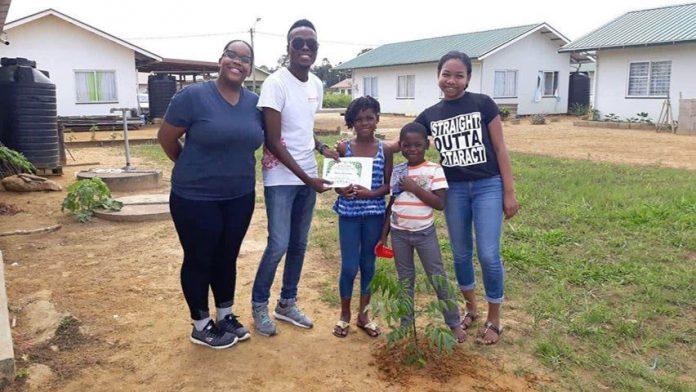 Rotaract Club Genesis plant meer dan 50 bomen in Suriname
